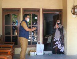 Rasa Peduli Mas Tamam Kepada Warga Isoman, Antar Sendiri Bantuan Pangan dan Suplemen