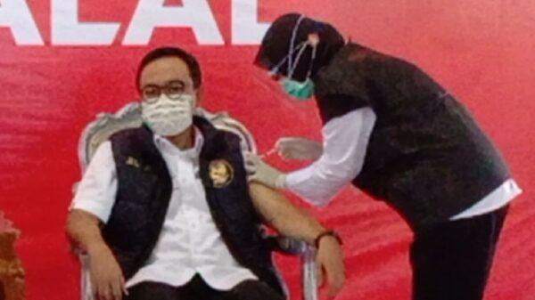 Bupati Baddrut Taman Pertama Disuntik Vaksin Sinovac