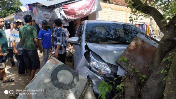 Mobil Toyoto Calya Sruduk Seorang Ibu Hingga Meninggal di Tempat