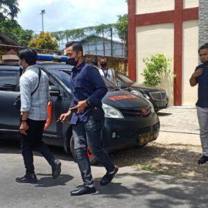 Akhirnya, Subiyakto Dijemput Paksa Polisi di Kantornya