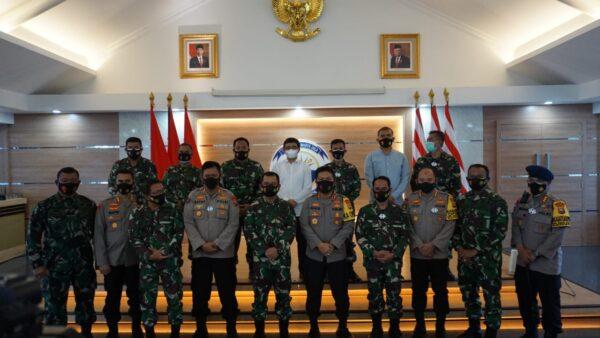 Gubernur AAL Laksda TNI Tunggul Suropati Terima Silaturrahmi Kapolda Jatim