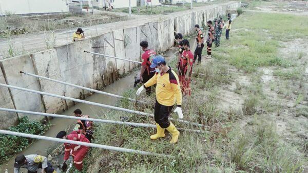 Advokasi Kesehatan Masyarakat, Polsek Murung Pudak Kerja Bakti dengan Pendekatan Ekologis