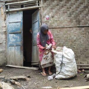 Tak Tersentuh Bantuan dari Pemerintah, Nenek Satriya Harus Hadapi Sulitnya Hidup