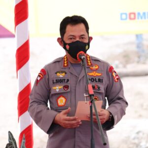 Kapolri dan Gubernur Sulsel Resmikan Rumah Polisi Korban Gempa Sulbar