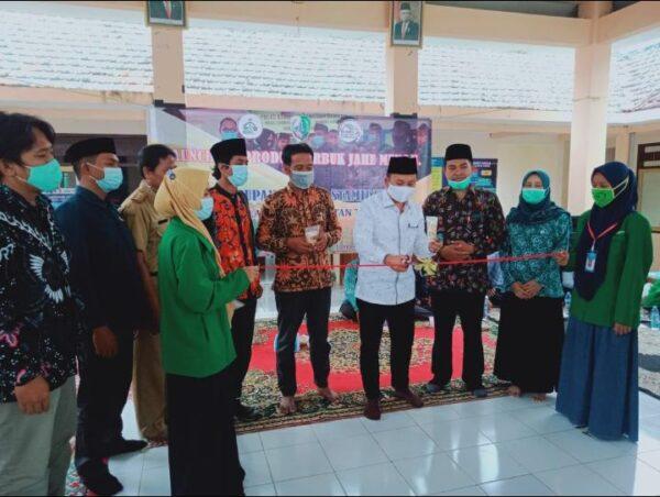 Bersama Anggota DPR RI, KKN 03 STAI Al-Hamidiyah Selenggarakan Launching Produk dan Penutupan KKN