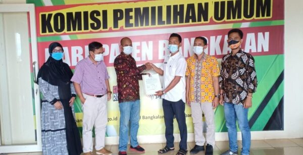 Jelang Pilkades 2021, KPU Bangkalan Serahkan DPT ke DPMD