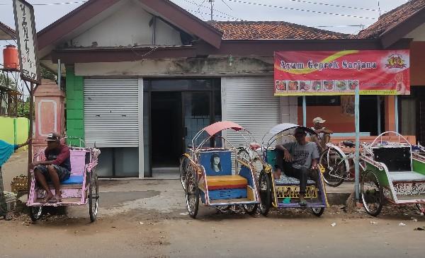 Cerita Sedih Tukang Becak di Sumenep Ditengah Sulitnya Ekonomi