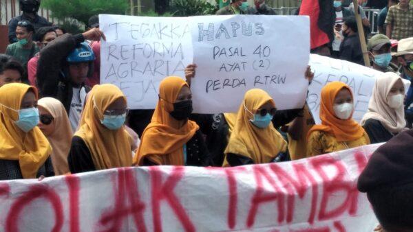 Tolak Fosfat, Puluhan Mahasiswa Demo Kantor Bappeda Sumenep