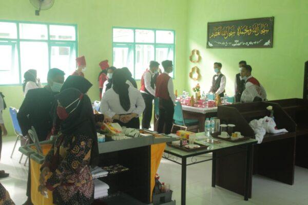Lulusan Siap Kerja, Slamet Irawan Optimis Memenuhi Kebutuhan Pengusaha Hotel di Sumenep
