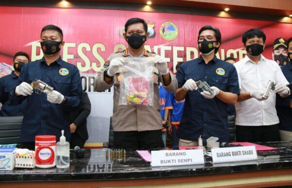 Ditresnarkoba Polda Jatim Bekuk Pengedar Shabu Bersenpi Asal Jombang