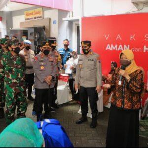 Kunker di Jatim, Panglima TNI dan Kapolri Ingatkan Masyarakat Tetap Patuhi Prokes