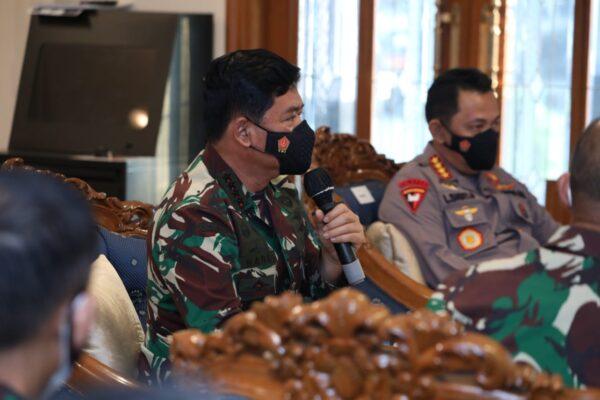 Tiba di Ibukota DKI Jakarta, Panglima TNI Pimpin Rapat Khusus Menyikapi Lonjakan Covid-19