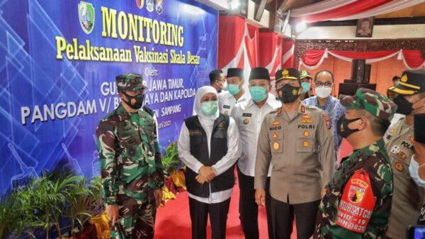 Forkopimda Jatim Monitoring Pelaksanaan Vaksinasi Massal di Sampang