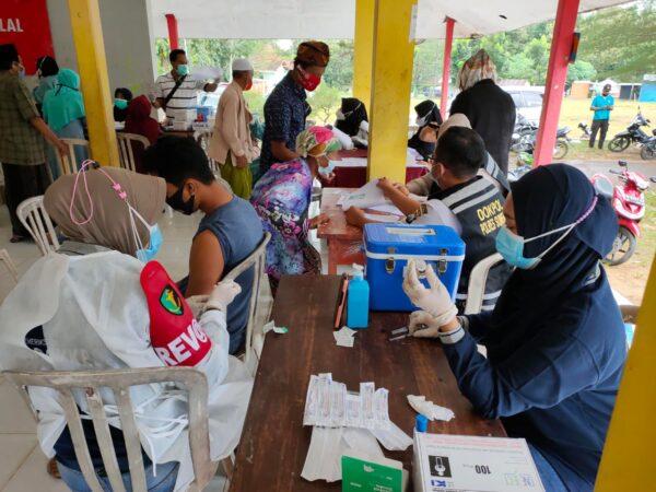 Antusias Ribuan Masyarakat Sumenep ikuti Vaksinasi Massal