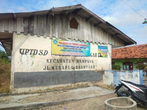 Potensi Gulung Tikar, Murid SDN Rongtengah V Sampang Makin Berkurang