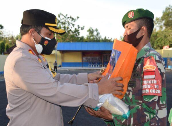 Bansos Kapolri untuk Pekerja Harian dan Informal Masa PPKM Darurat di Pamekasan
