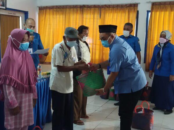 Sambut HUT Kemerdekaan RI ke-76, PUDAM Sampang Reward 17 Pelanggan Teladan