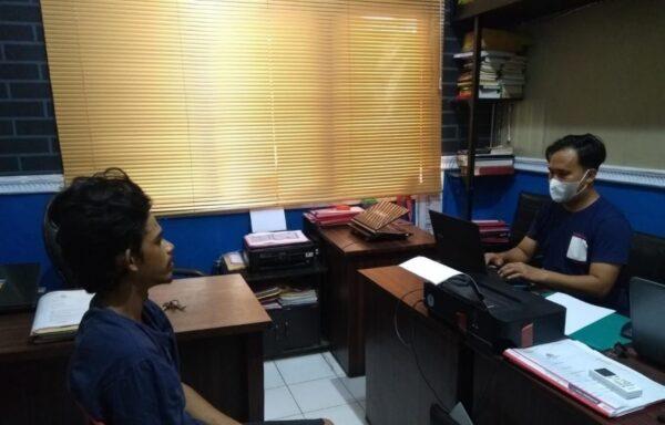 Gak Pakai Lama! Polres Sampang Tangkap Pasangan Suami Istri Pencuri di Kantor PT. WJS Jrengik