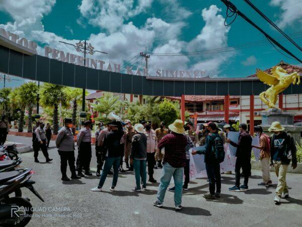 Petani Tembakau Menjerit, Aktivis MPR Madura Raya Demo Pemkab Sumenep