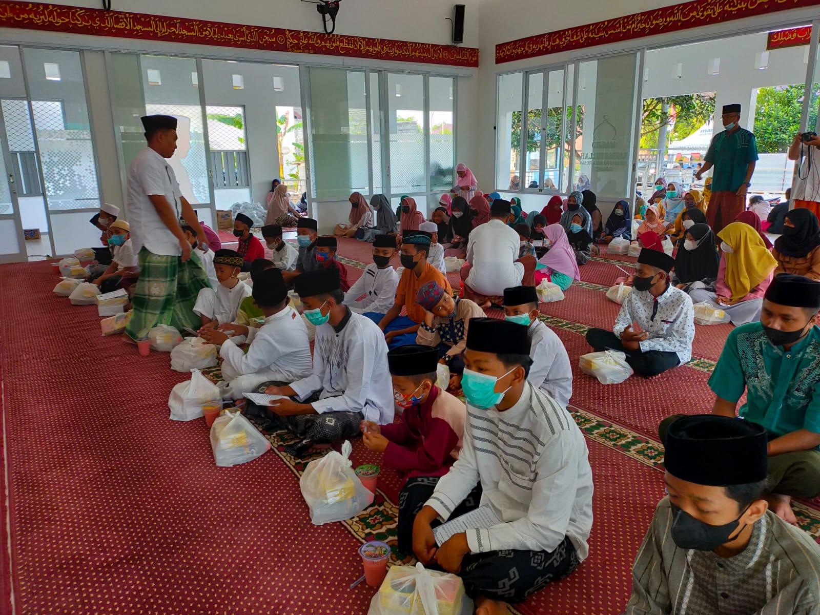 Peringati Tahun Baru Islam, Takmir Masjid Rahmatullah Sumenep Adakan Giat Santunan Anak Yatim
