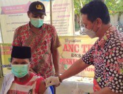 Vaksin untuk Masyarakat Giliraja Pj. Desa Lombang Kawal Langsung Masyarakatnya