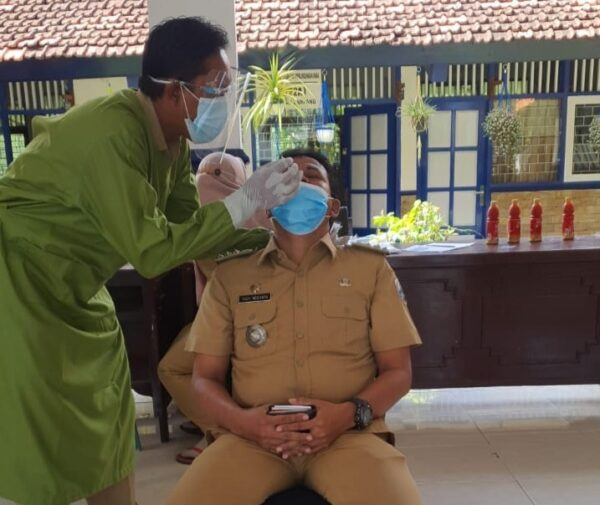 Antisipasi Sebaran Covid-19, Kecamatan Sampang Gelar Uji Swab PCR Mandiri