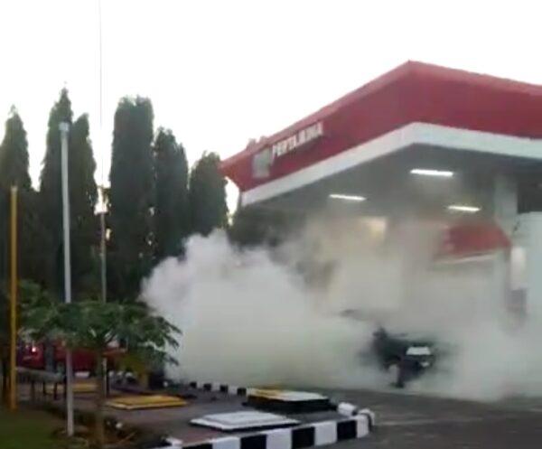 Isi BBM di SPBU, Mobil di Sumenep Terbakar karena Handphone